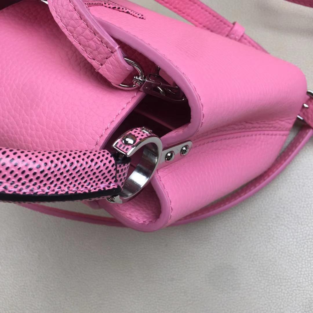 LV路易威登 m94049 首款由全粒纹Taurillon小牛皮裁制而成的Capucines迷你手袋 粉色 原单品质 21x14x8cm