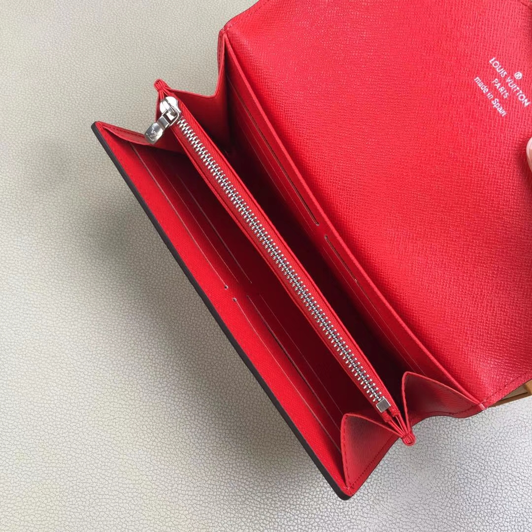 LV路易威登 新款 M62985 粉色 SARAH 钱夹 Epi皮革面料 内部设计精巧独特 19x10cm