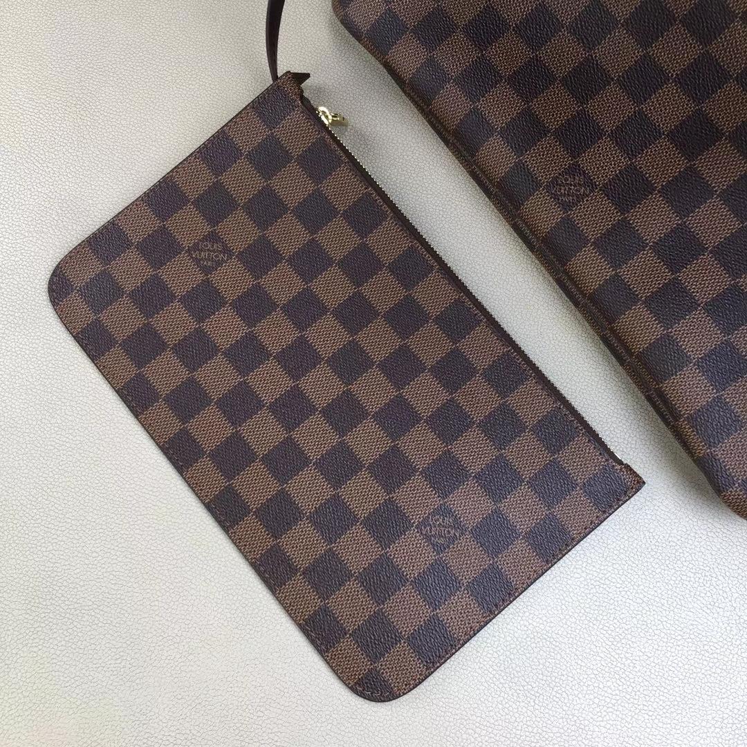 LV路易威登 顶级版Neverfull 经典手袋 N41358 采用了清新的织物内衬和灵感源自路易威登档案馆的复古细节 32x29x17cm
