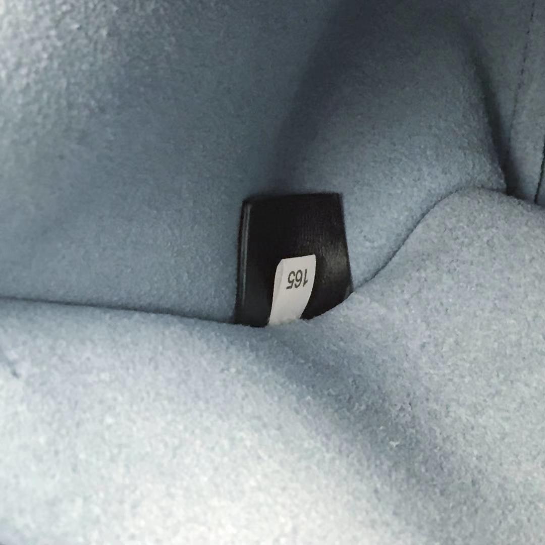 PRADA(普拉达)2018走秀款 1BA178 黑色+大理石 小牛皮材质 可拆卸可调式肩带 皮质徽标 两个外袋 里配一个可拆式小皮包 独立张扬 28×22×13cm