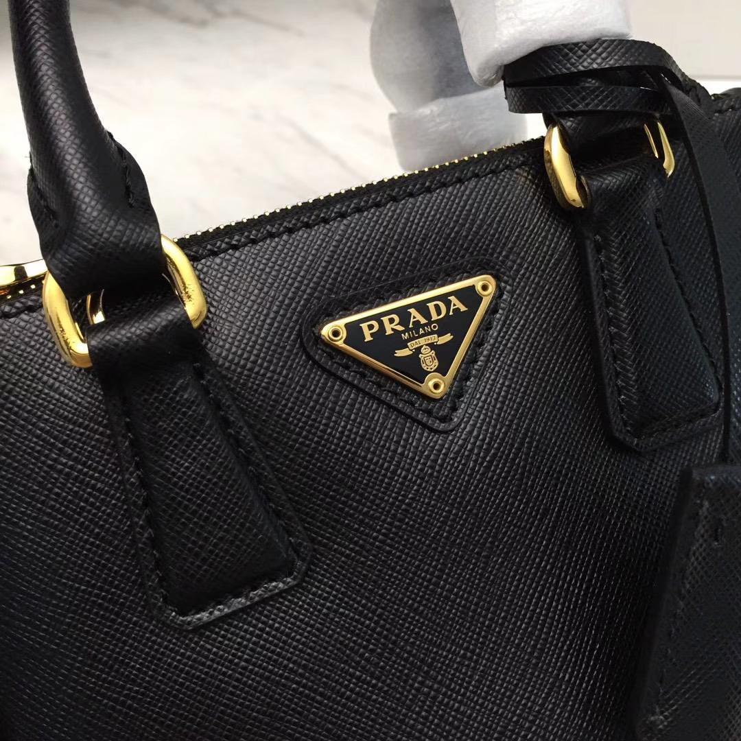 PRADA(普拉达)超级mini杀手包 1BH907 黑色 P家专属皮味 纹路清晰 原单十字纹 原单拉丝五金 原单Lampo拉链 17x12x8.5cm
