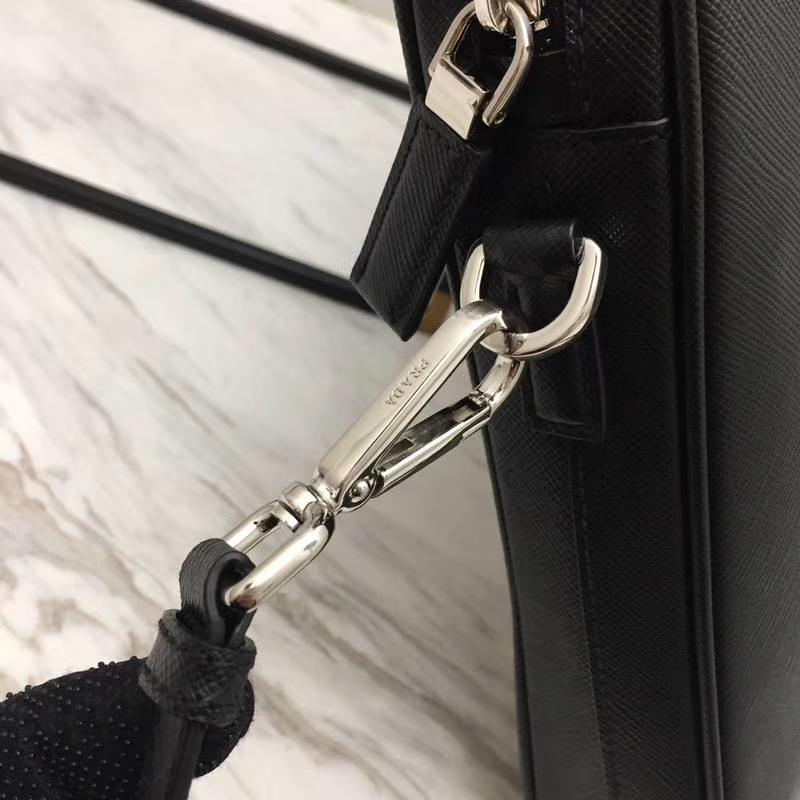 RADA(普拉达)最新款超薄2VE368公文包 黑色+灰色+红色 拼条真正鳄鱼皮 专柜同步 进口意大利皮 原单Lampo拉链 枪色五金 36x28x3.5cm