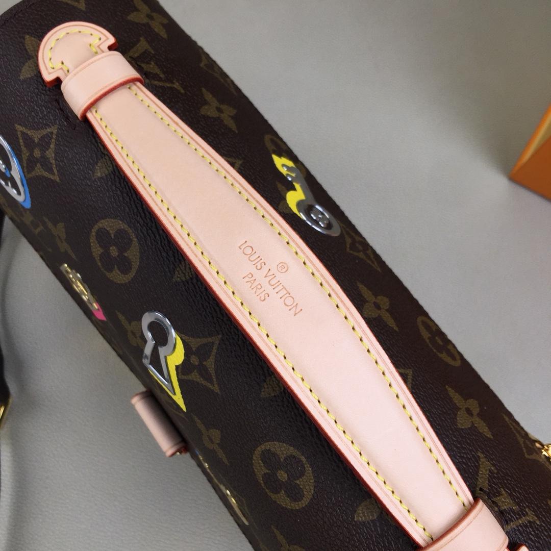 原单POCHETTEMETIS手袋M44366 缤纷的金属质感图案与经典的Monogram帆布浑然天成 别致的3D效果