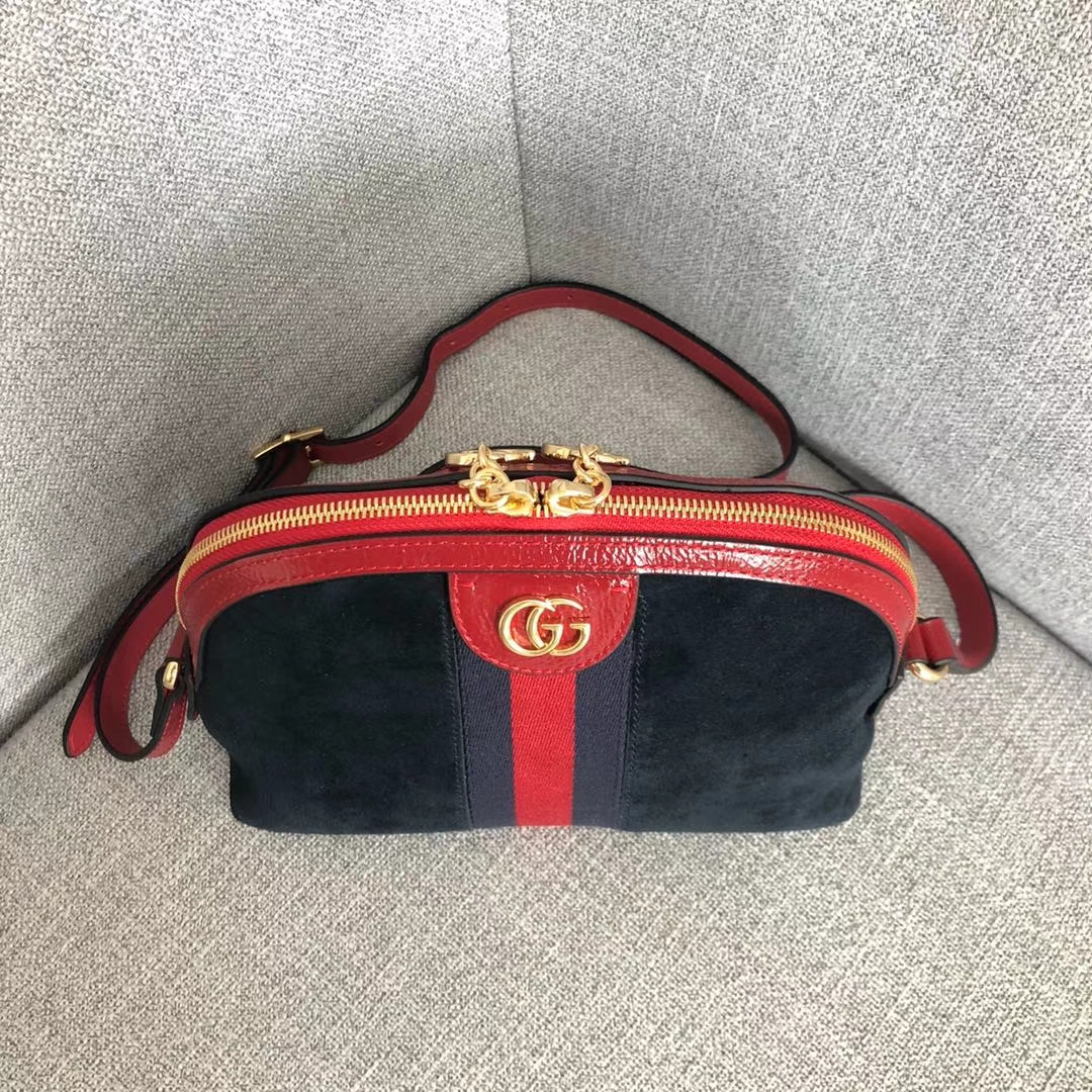 GUCCI(古驰)爆款走秀系列贝壳包 499621 黑色+红蓝 简约干练极富现代气息的设计 圆滑的线条 皮质柔软 简约优雅 23x7x18