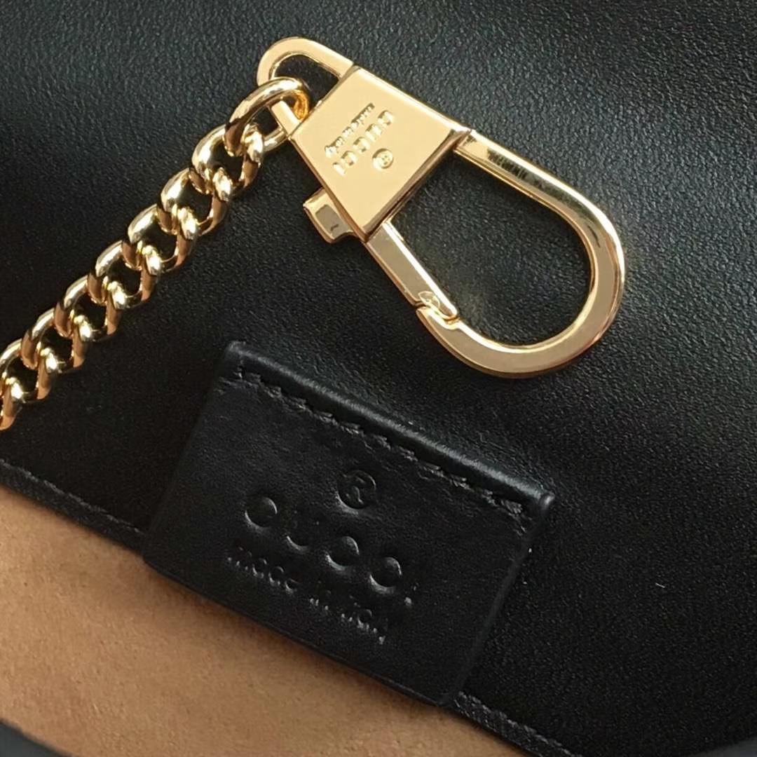 GUCCI(古驰)逆袭款 Sylvie系列全皮迷你链条包 494646 黑色 配以嵌尼龙织带 mini尺寸 16.5×10.5×3.5cm