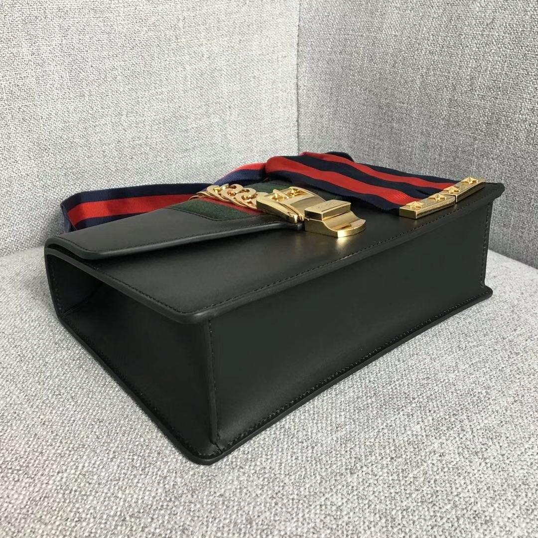 GUCCI(古驰)Sylvie 逆袭款 421882 黑色 四季爆款代表性链条包 精致织带 25.5x8x17cm