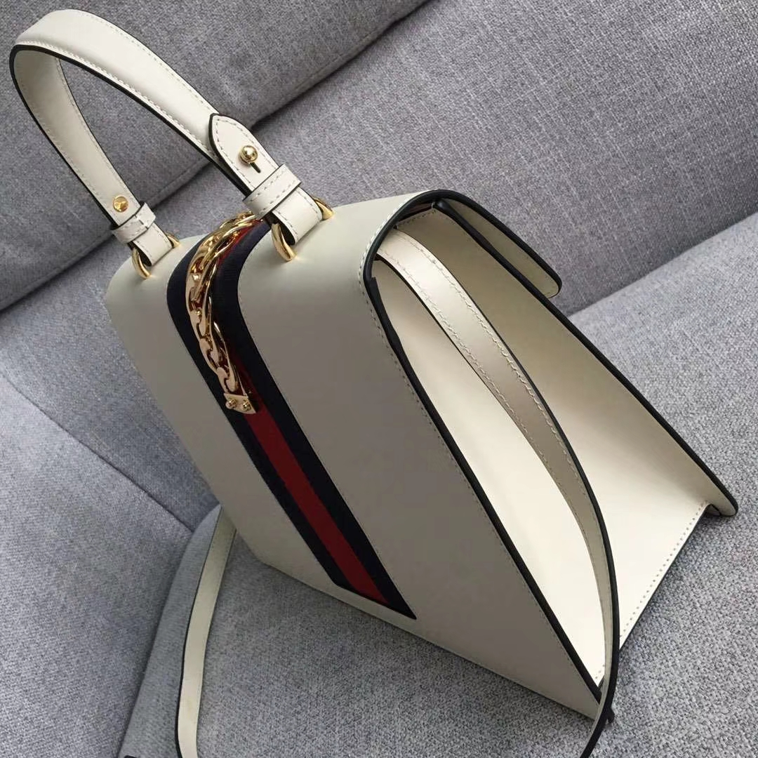 GUCCI(古驰)Sylvie 原单品质 431665 白色 进口五金材质 时尚有气质 简单又实用 31.5 x 22 x 11
