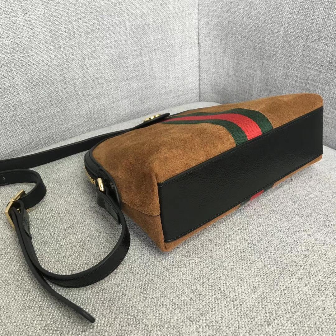 GUCCI(古驰)爆款走秀系列贝壳包 499621 驼色 简约干练极富现代气息的设计 圆滑的线条 皮质柔软 简约优雅 23x7x18