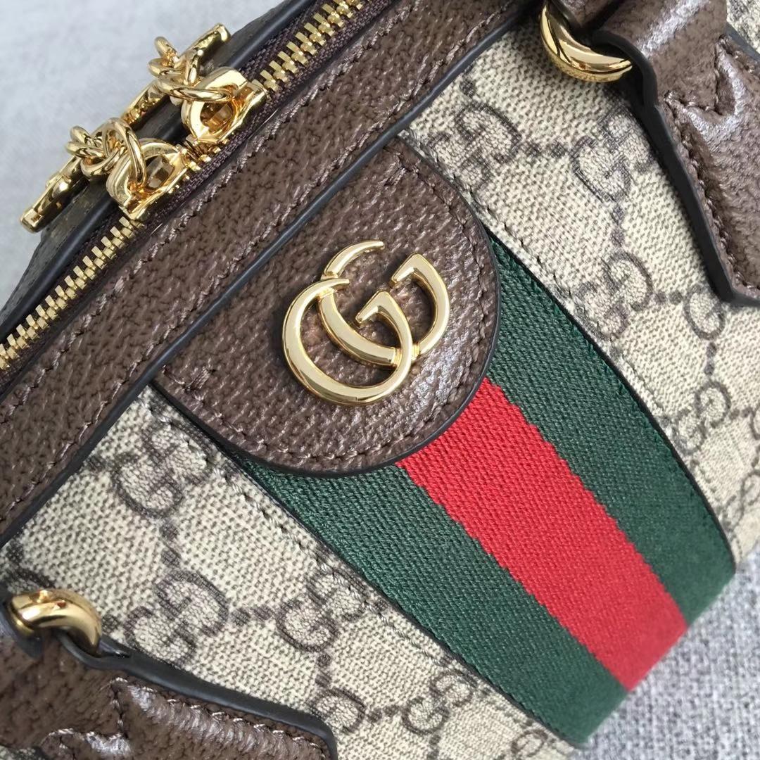 GUCCI(古驰)枕头包系列 524532 经典款式 以主打的织带绿红绿为标新 原单品质 进口面料 时尚街拍单品 32x16.5x12.5