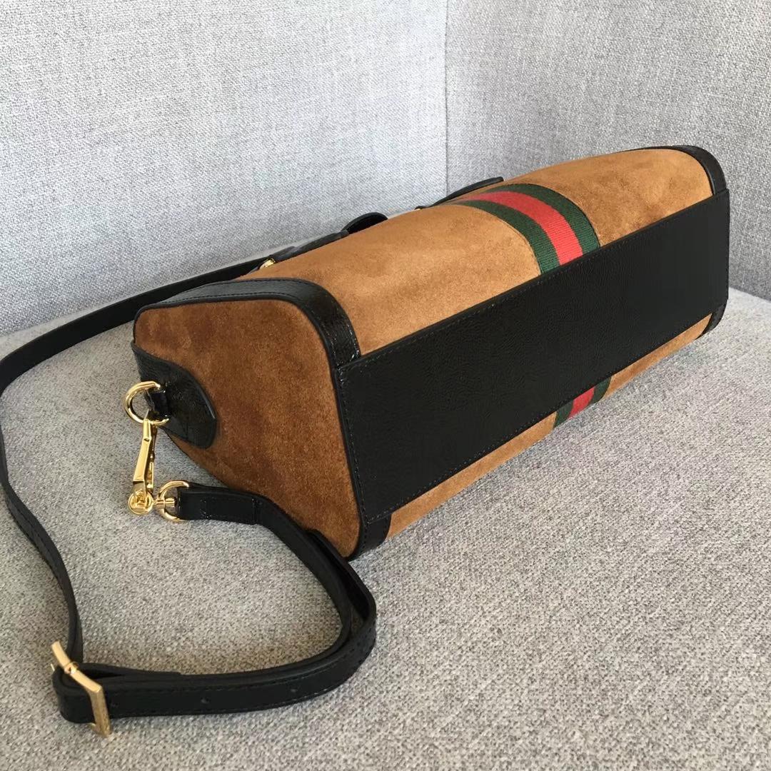 GUCCI(古驰)枕头包系列 524532 驼色 经典磨砂皮款式 以主打双G为标新 原单品质 时尚街拍单品 32x16.5x12.5
