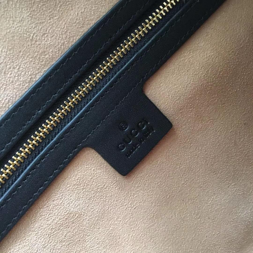 GUCCI(古驰)枕头包系列 524532 黑色 经典磨砂皮款式 以主打双G为标新 原单品质 时尚街拍单品 32x16.5x12.5