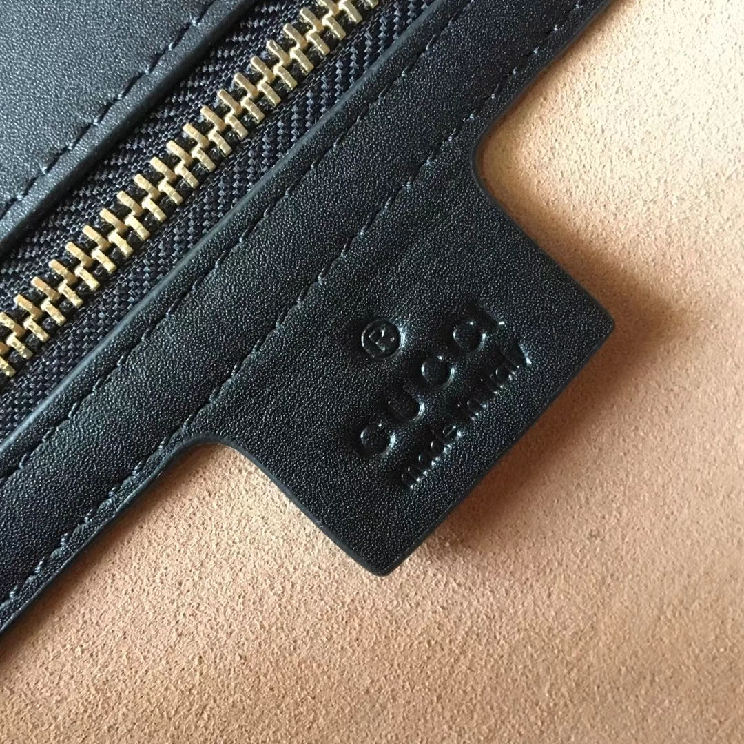 GUCCI(古驰)最新天鹅绒手提包 524405 深蓝色 Sylvie新独特肩带 刺绣双G logo 现货 25.5×17×8