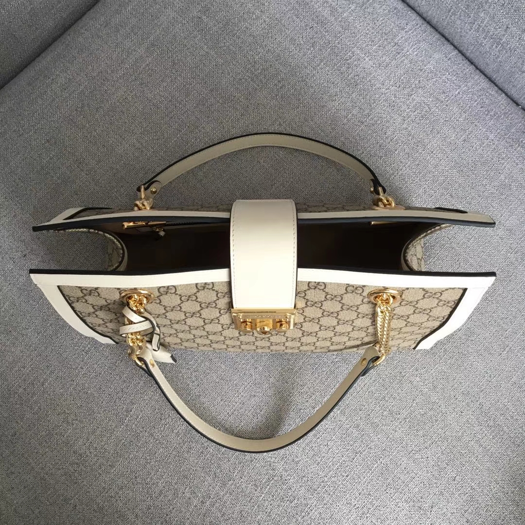 GUCCI(古驰)大号 padlock 爆款现货 479197 白色 以经典双G进口面料搭配牛皮 皮手挽的细节设计 款式大方 35x23x14cm