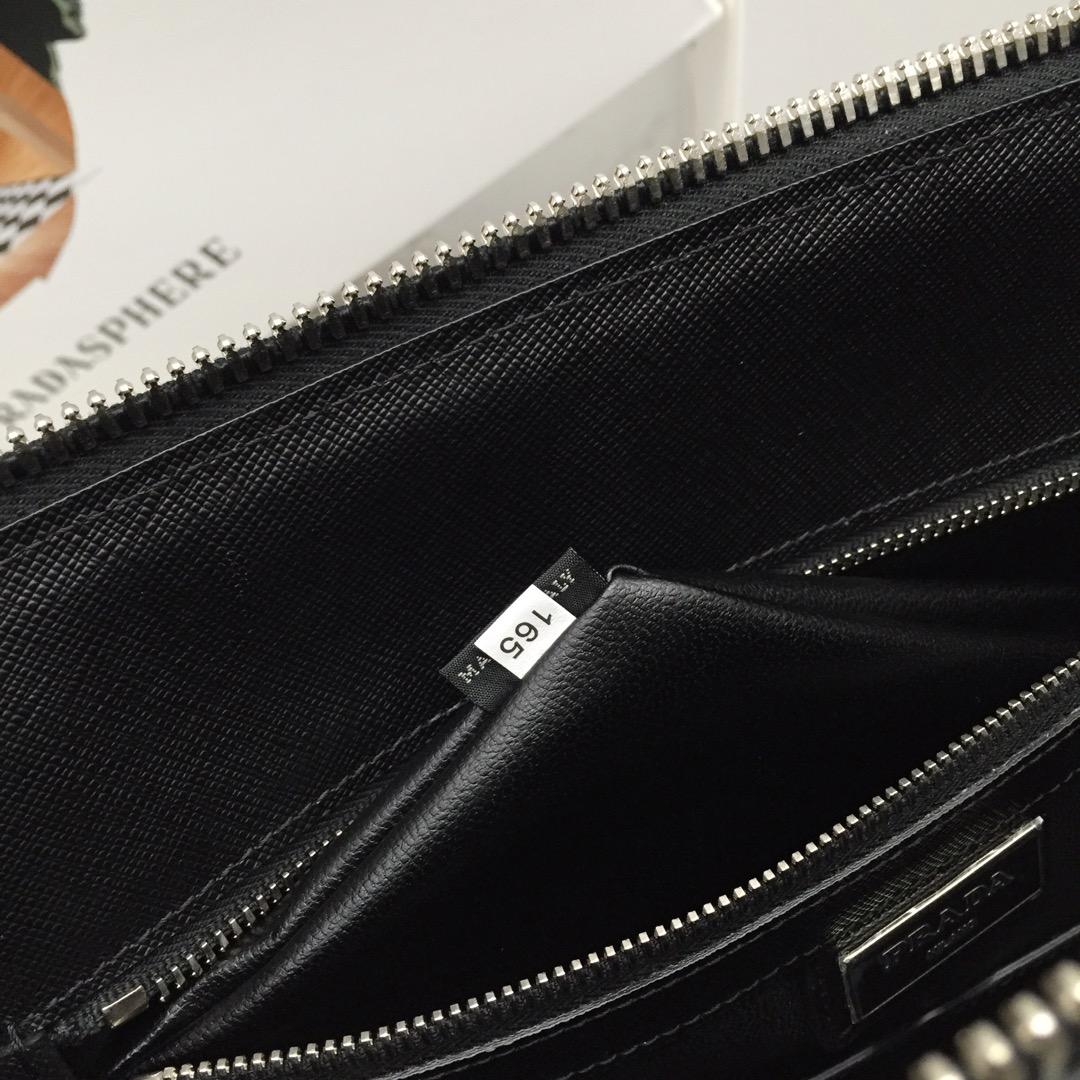 P家最新拼角唛 2VG079 意大利进口十字纹牛皮 代工码165 原厂Lampo拉链