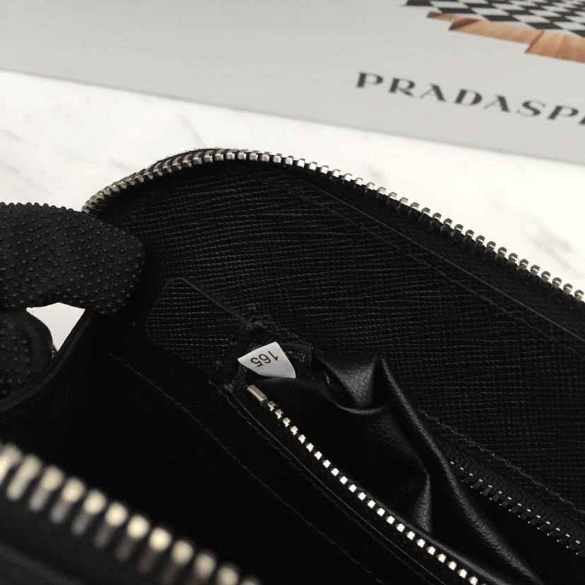 P家新款拼角唛原厂皮男手包2VF056 165代工码 格层和卡位多多