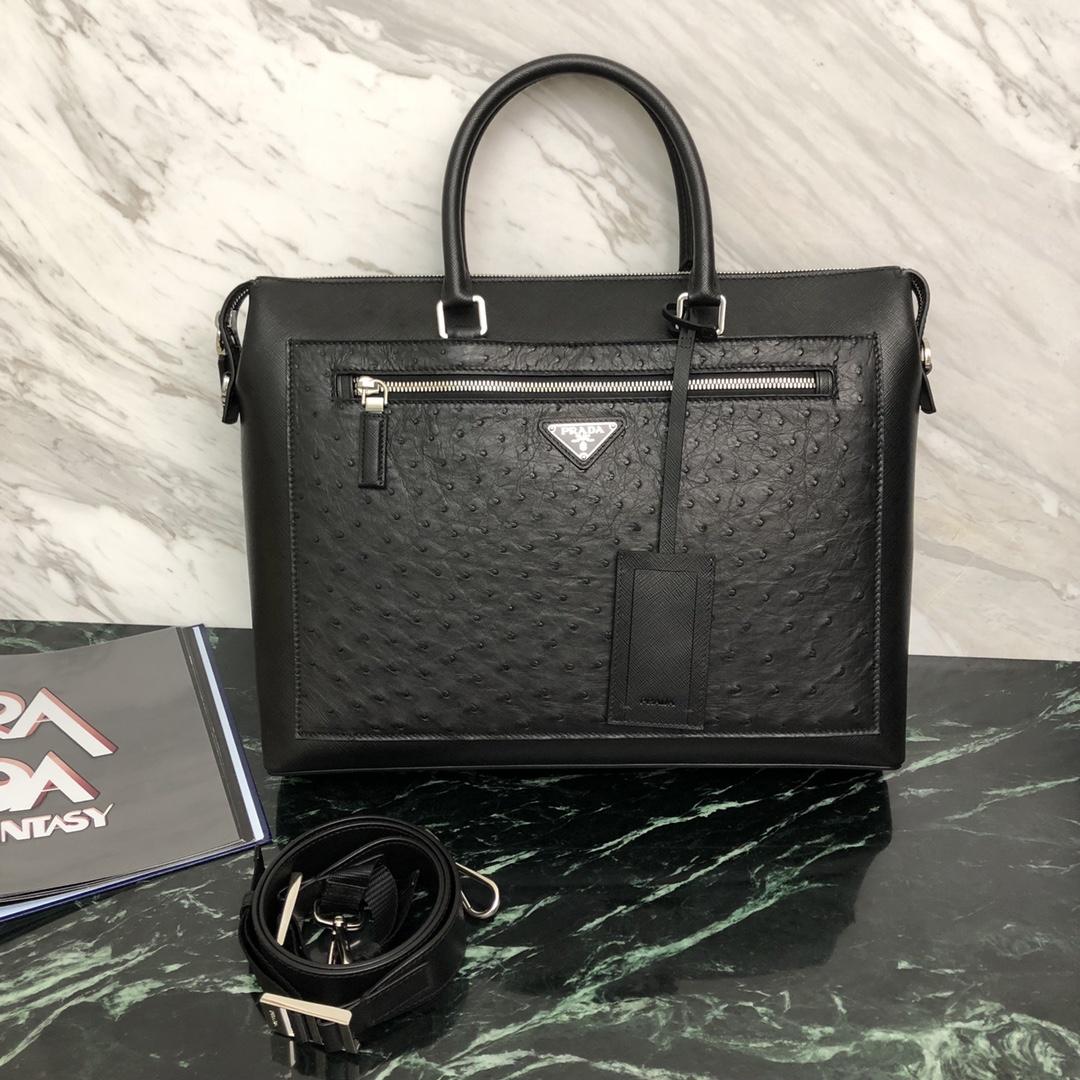 P家最新款公文包2VG044 Saffiano皮革进口鸵鸟皮 设计独特 不一样的奢华