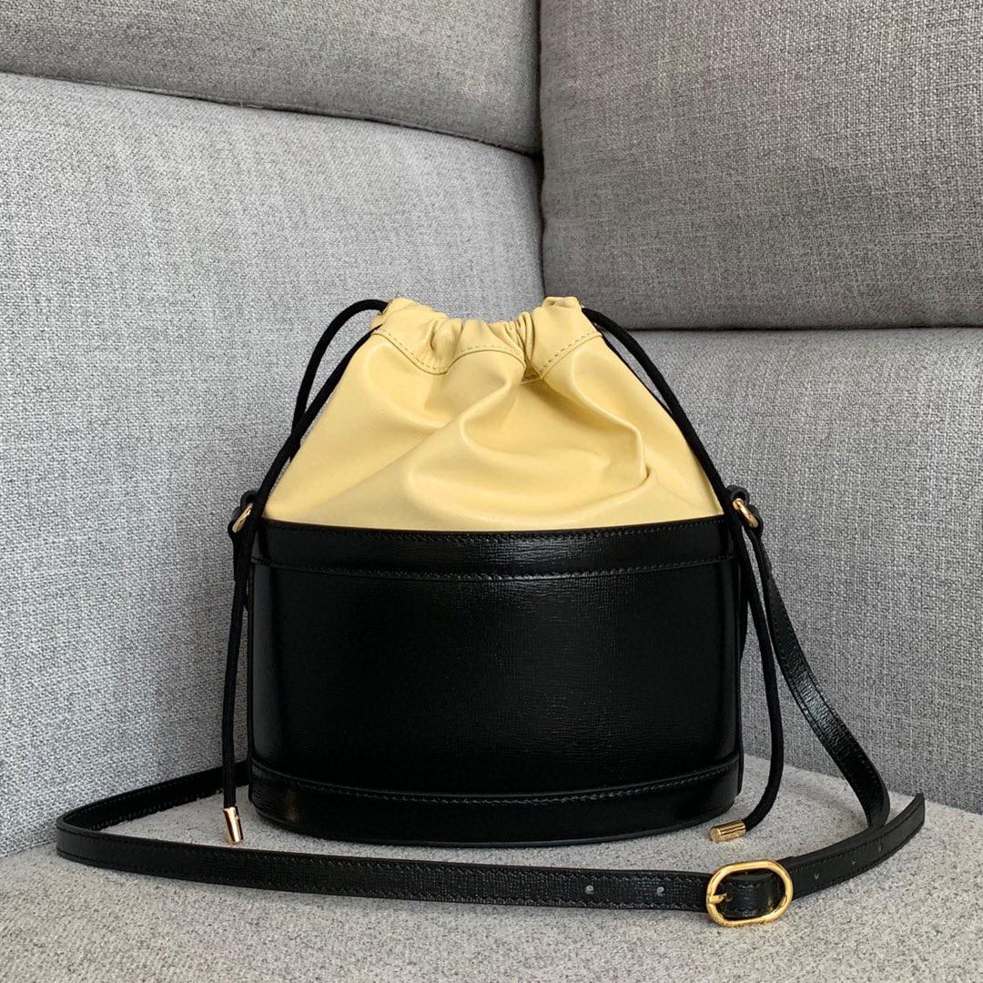 Gucci包包价格 古奇色拼米黄包真皮马衔扣圆桶包新款女包25cm