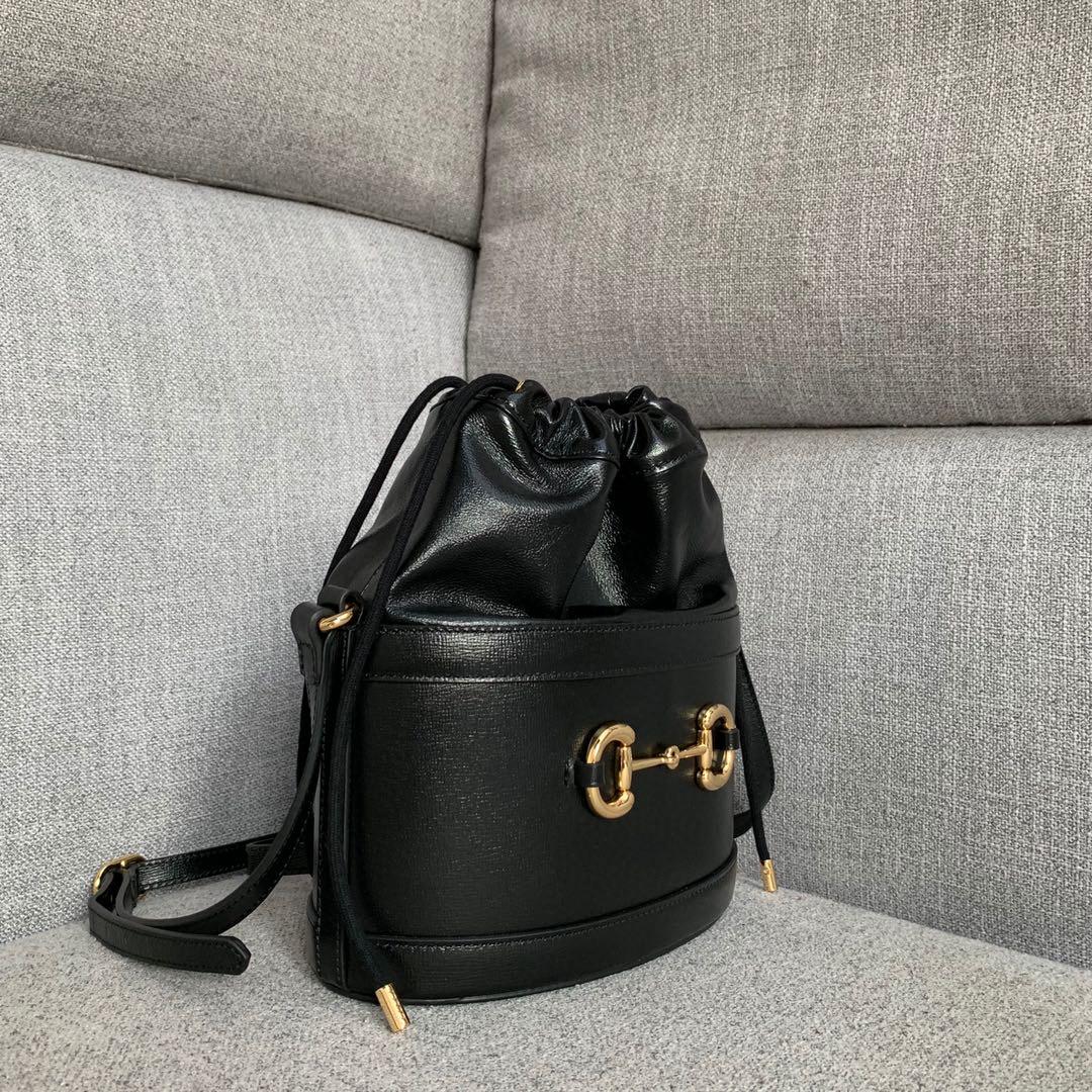 Gucci古奇1955系列马衔扣602118圆形桶包单肩斜挎女包25cm 黑色