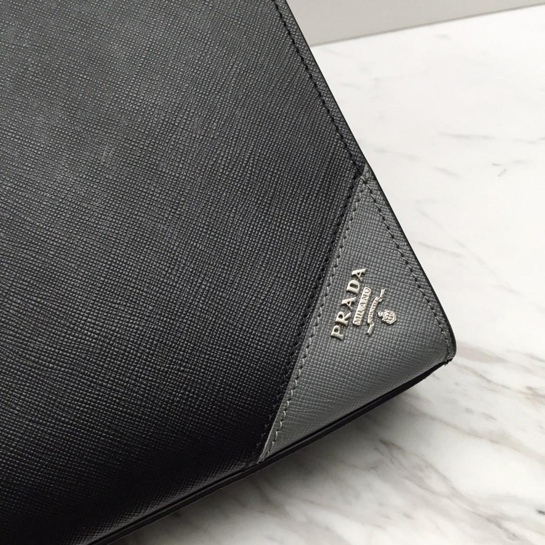 P家最新拼角唛2VG079 意大利进口十字纹牛皮 代工码165 原厂Lampo拉链