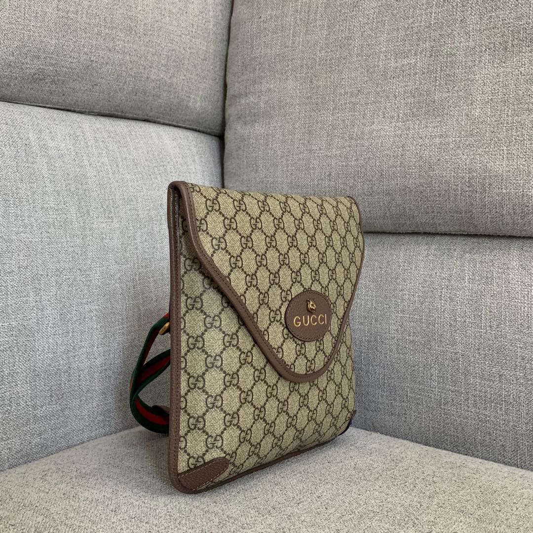 古驰新款包包 Gucci翻盖复古邮差包男女通用单肩斜挎包26CM