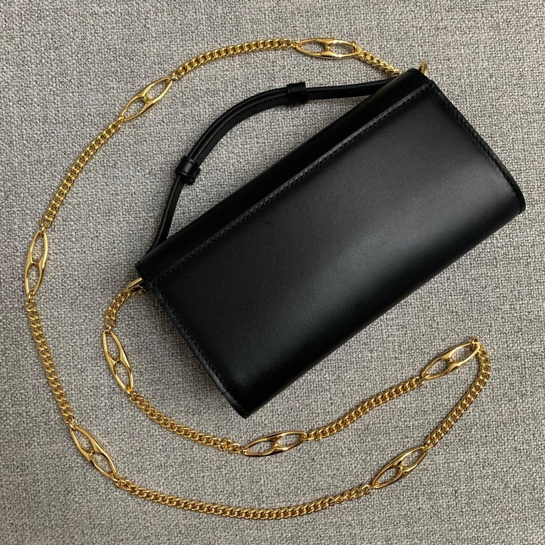 Gucci古驰564718春夏走秀款 黑色光面金银互扣链条小包19CM