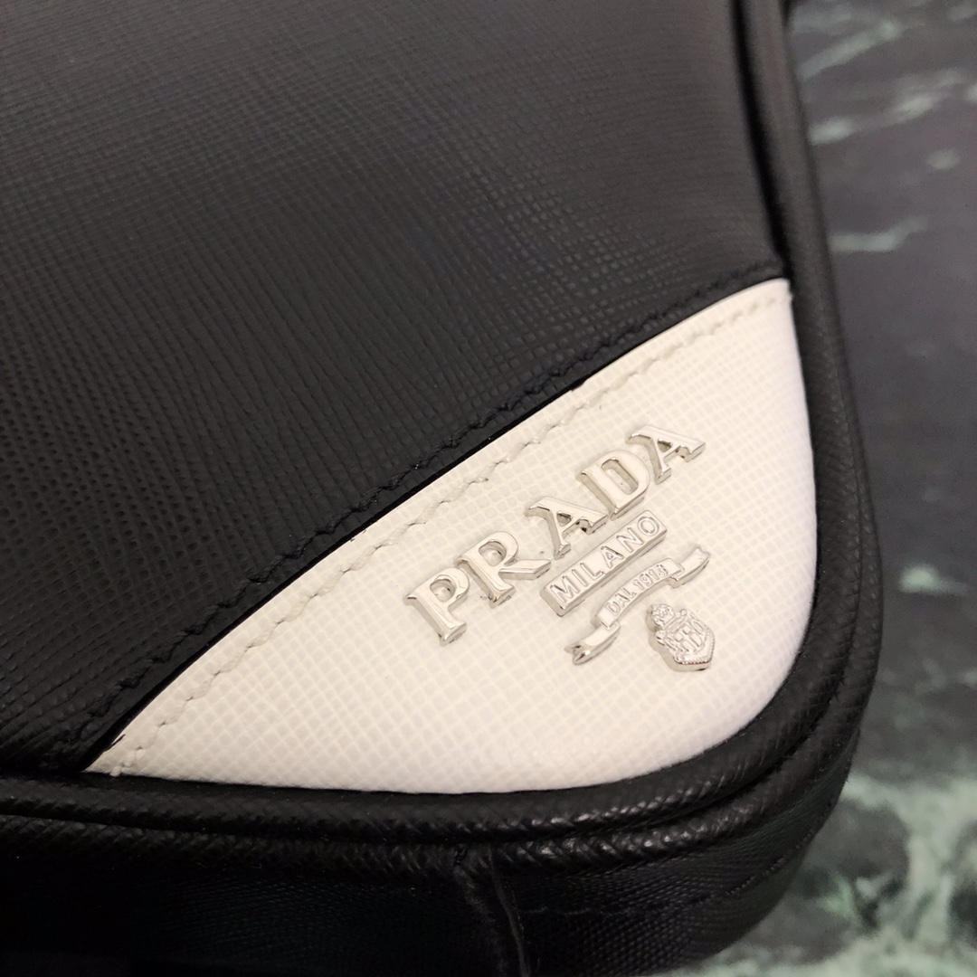 P家原单经典款2VE368公文包 十字纹拼角唛超薄款 进口意大利牛皮 内配里布