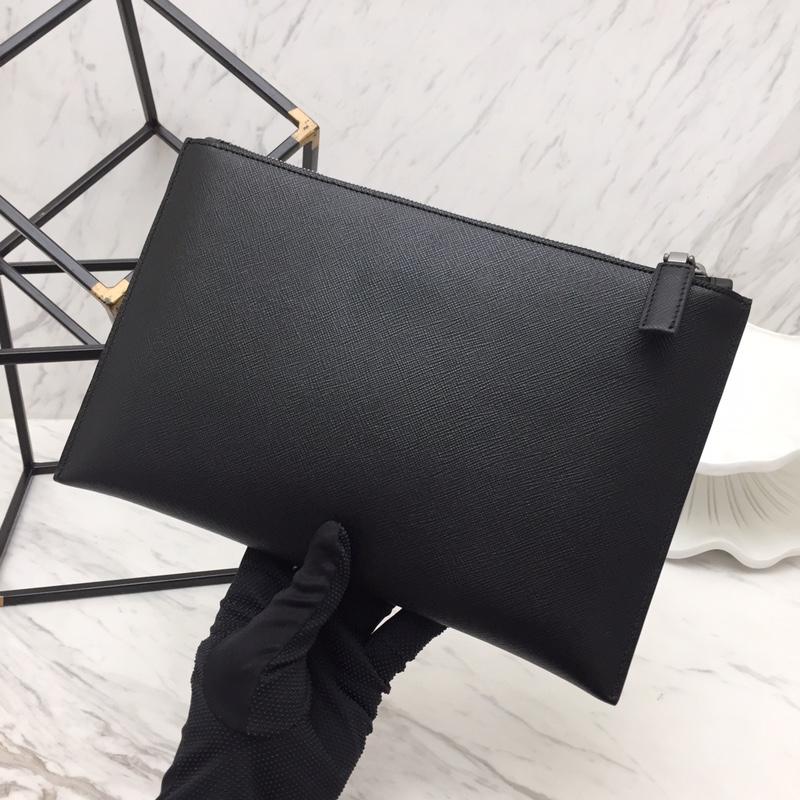 P家最新款枪色五金手包2NG05V 原单进口牛皮十字纹 特别的三角形散字唛