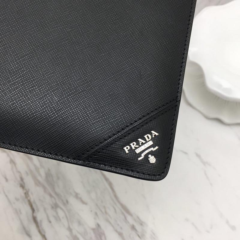 P家2NG001拼角唛限量版 原单牛皮 原单Lampo拉链 实用又时尚