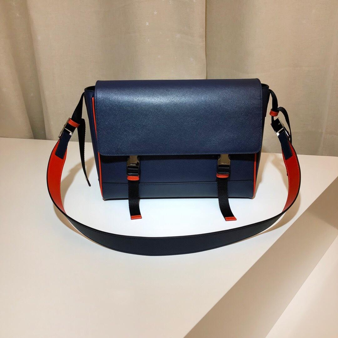 P家最新款男包2VD018 方便实用 时尚潮流 奢华高档 配色更酷炫