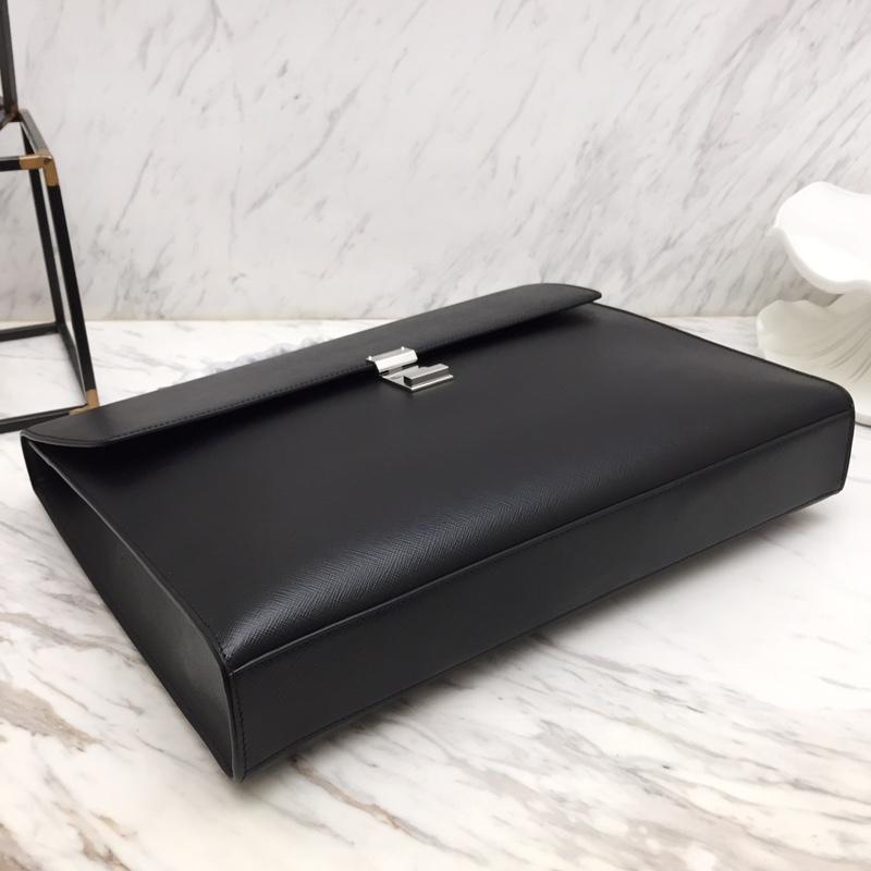 P家最新款Saffiano皮质公文包2VB001 抛光钢质金属配件 内部商标 带手柄和推锁翻盖