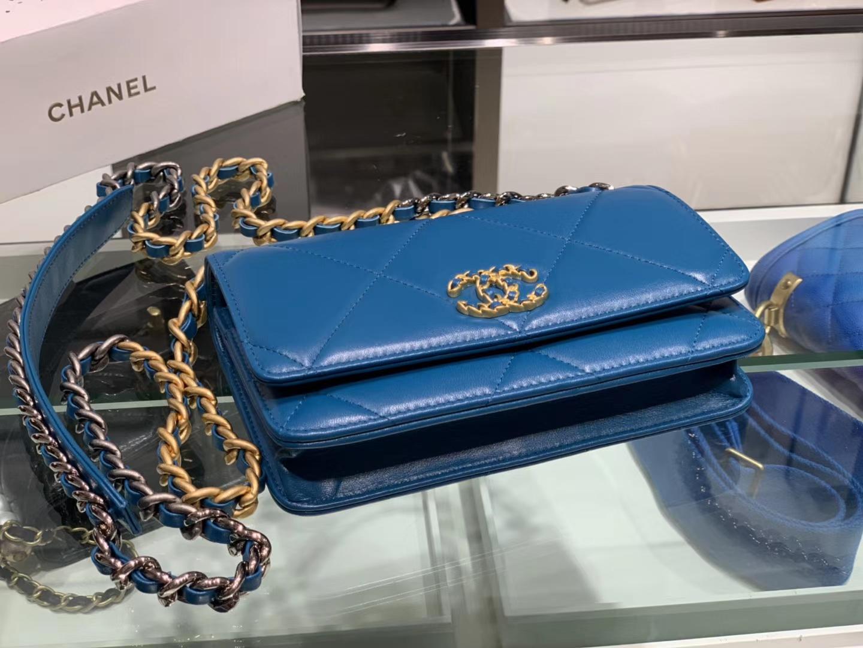 Chanel(香奈儿)19 手袋 woc 链子晚宴包 伊兹密尔蓝 金扣