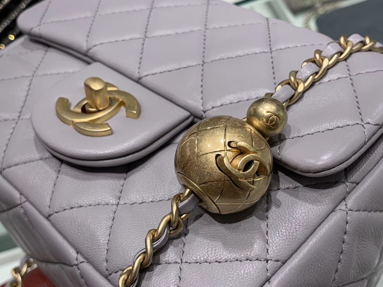 Chanel(香奈儿)最火 cf 方胖子 小金珠系列 浅灰色 金扣 18cm