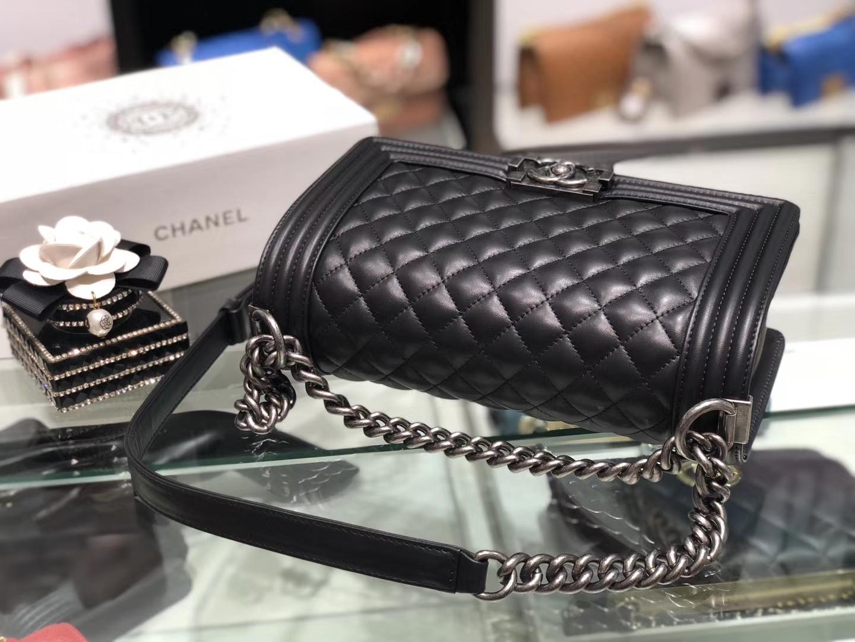 Chanel(香奈儿)Leboy # 小羊皮皮配搭复古砂银 黑色 25cm
