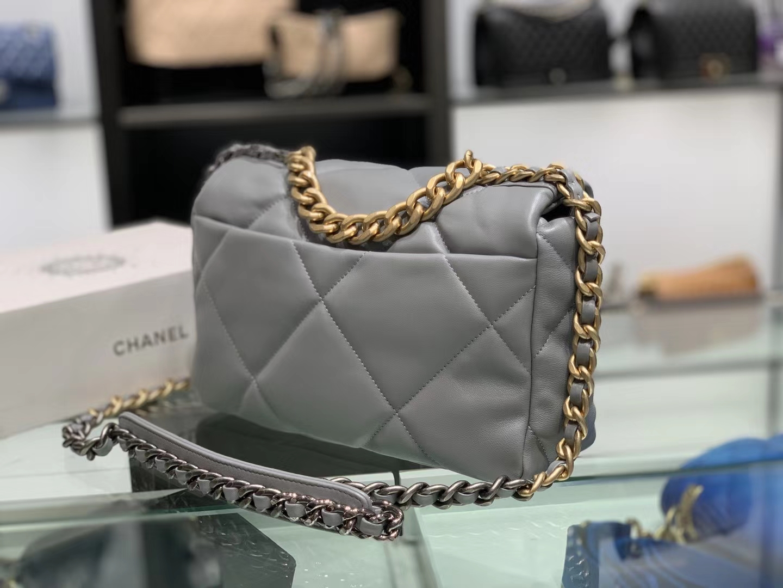 Chanel(香奈儿)19bag 口盖包 # 浅灰色 小羊皮 26cm