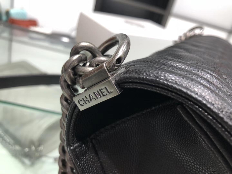 Chanel(香奈儿)Leboy 细球纹小牛皮配搭复古砂银 黑色 菱格 25cm