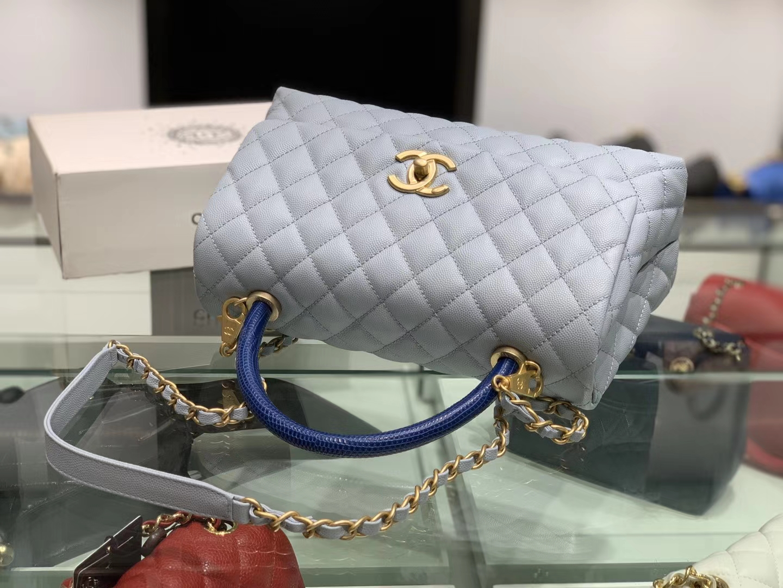 Chanel(香奈儿)coco handle # 中号 蜥蜴手柄 浅灰蓝 金扣 29cm