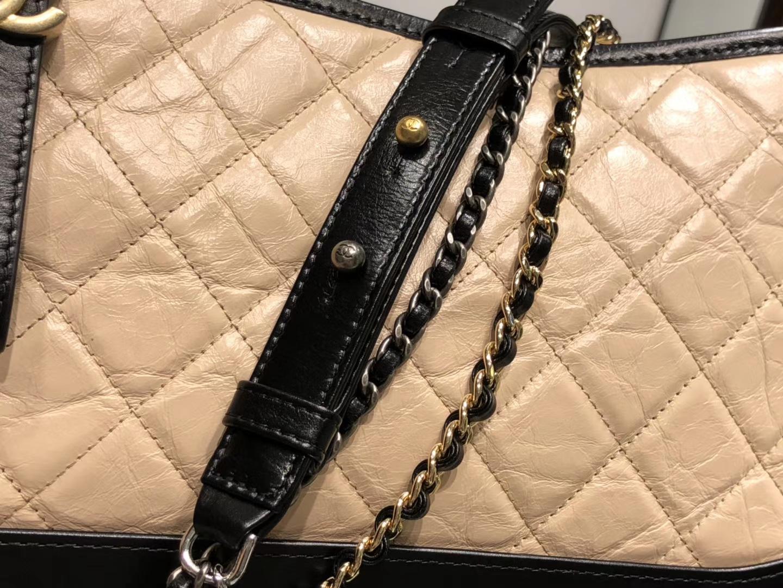 Chanel(香奈儿)𝖌𝖆𝖇𝖗𝖎𝖊𝖑𝖑𝖊 # 流浪包〔黑配杏菱格〕28cm