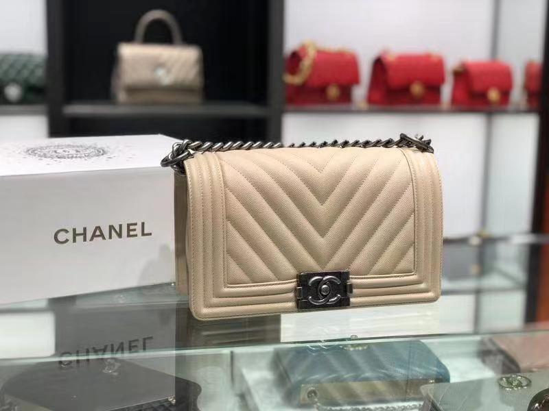Chanel(香奈儿)Leboy # 小牛皮配搭复古砂金【V纹】奶昔白 25cm