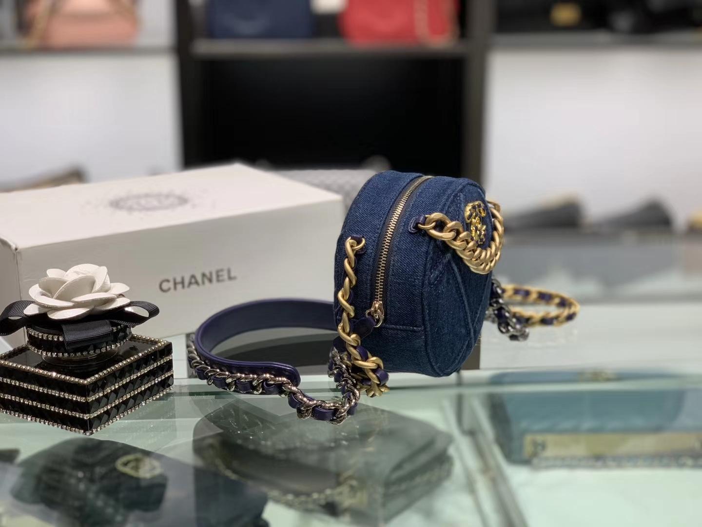 Chanel(香奈儿)𝖈𝖍𝖆𝖓𝖊𝖑 系列 丹宁小圆饼 牛仔蓝 19cm
