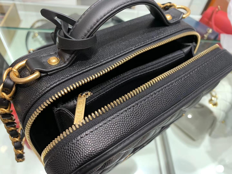 Chanel(香奈儿)化妆盒子包 黑色 金扣 21cm