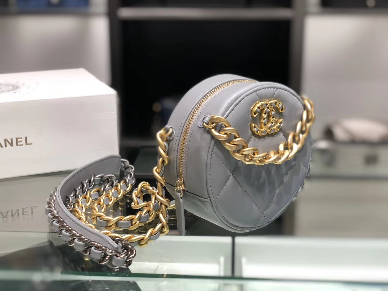 Chanel(香奈儿)𝖈𝖍𝖆𝖓𝖊𝖑 系列 小圆饼 浅灰色 19cm