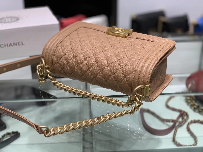 Chanel(香奈儿)Leboy # 小牛皮配搭复古砂金 卡其色 25cm