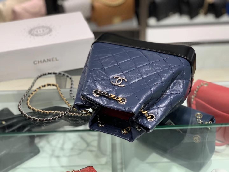 Chanel(香奈儿)𝖌𝖆𝖇𝖗𝖎𝖊𝖑𝖑𝖊 # 流浪背包〔黑配蓝菱格〕23×22.5×10.5cm