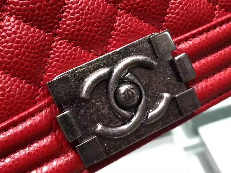 Chanel(香奈儿)Leboy # 小牛皮配搭复古砂银 中国红 25cm
