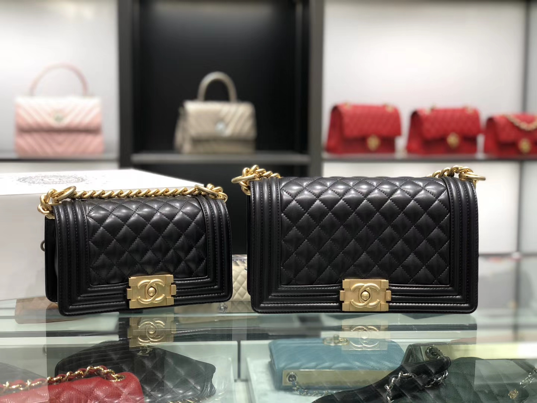 Chanel(香奈儿)Leboy # 小羊皮皮配搭复古砂金 黑色 25cm