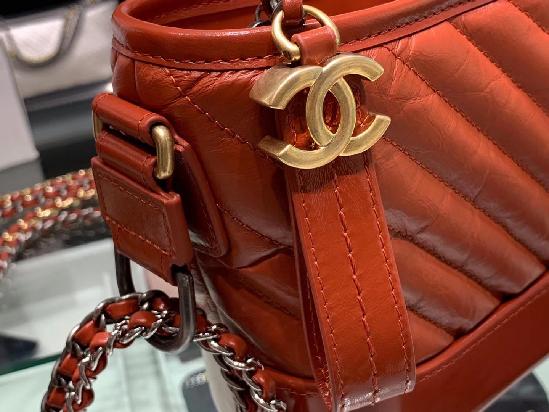 Chanel(香奈儿)𝖌𝖆𝖇𝖗𝖎𝖊𝖑𝖑𝖊 # 流浪包〔铁锈红V纹〕20cm