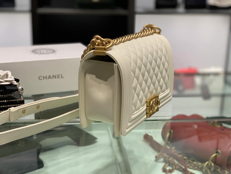Chanel(香奈儿)Leboy 球纹皮配搭复古砂金 奶昔白 25cm