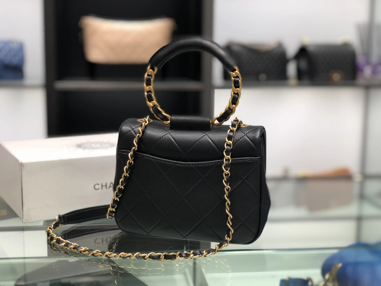 Chanel(香奈儿)圆环方胖子 黑色 金链 金扣