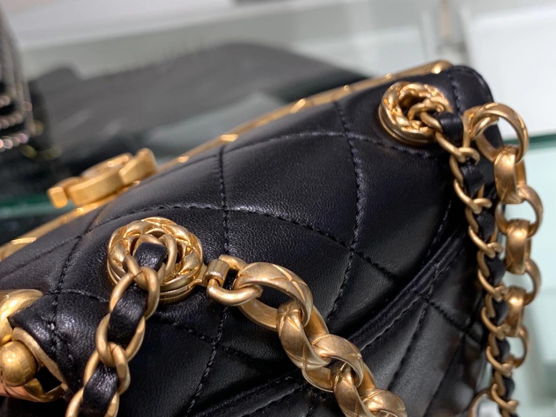 Chanel(香奈儿)2020 当季最火 磁铁搭扣包 黑色 小号