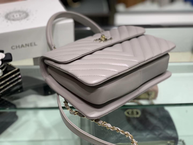 Chanel(香奈儿)Trendy cc 风衣灰 V纹 羊皮搭配金扣 25cm